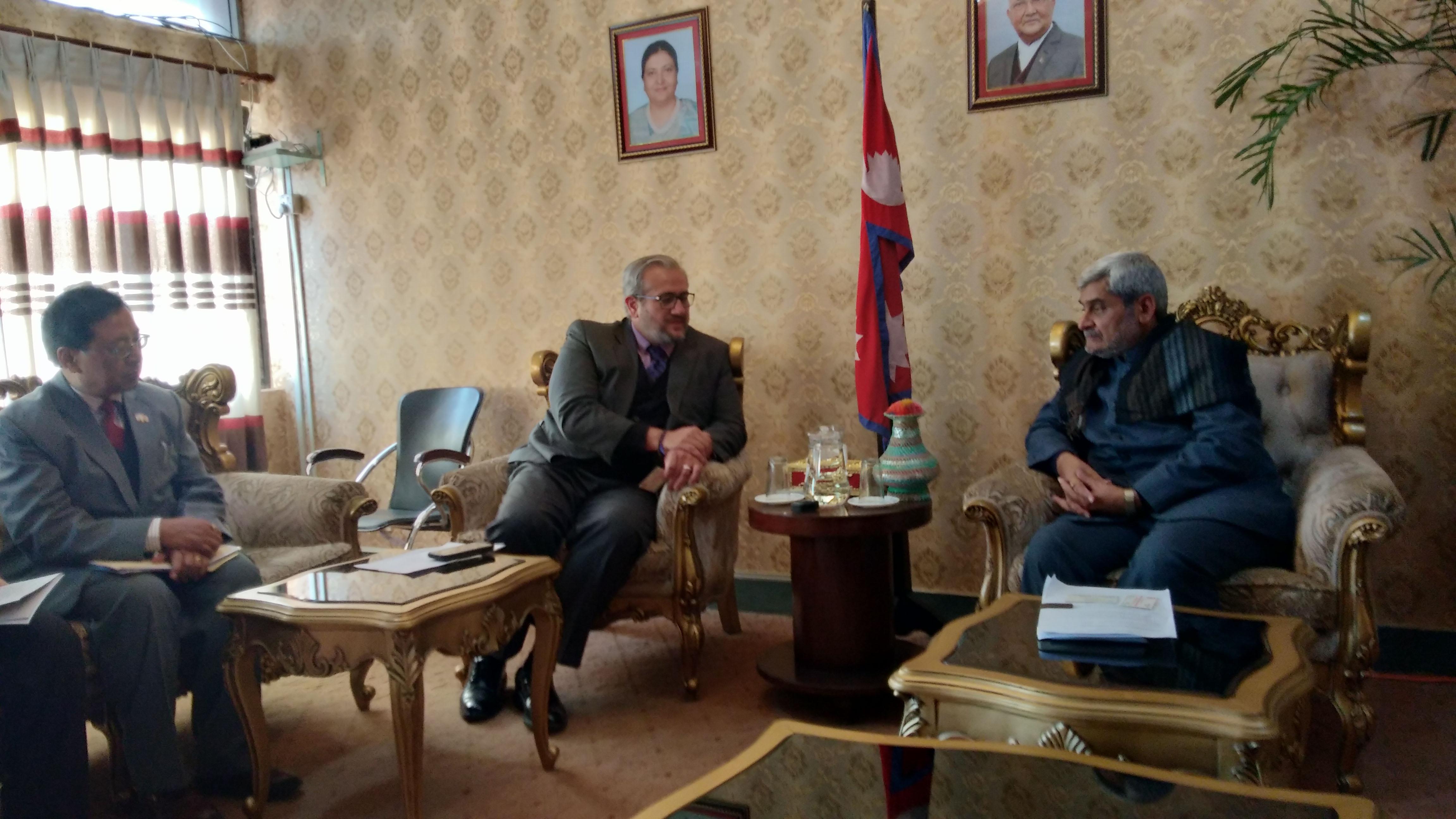 बिश्व बैङ्कका नेपाल प्रतिनिधी Faris H. Hadad-Zervos माननीय मन्त्री ज्यू सँग भेटवार्ता गर्नु हुदै ।